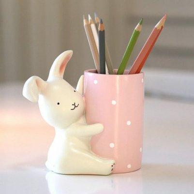 可爱小兔子笔筒