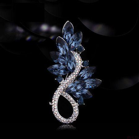 蓝水晶花束胸针